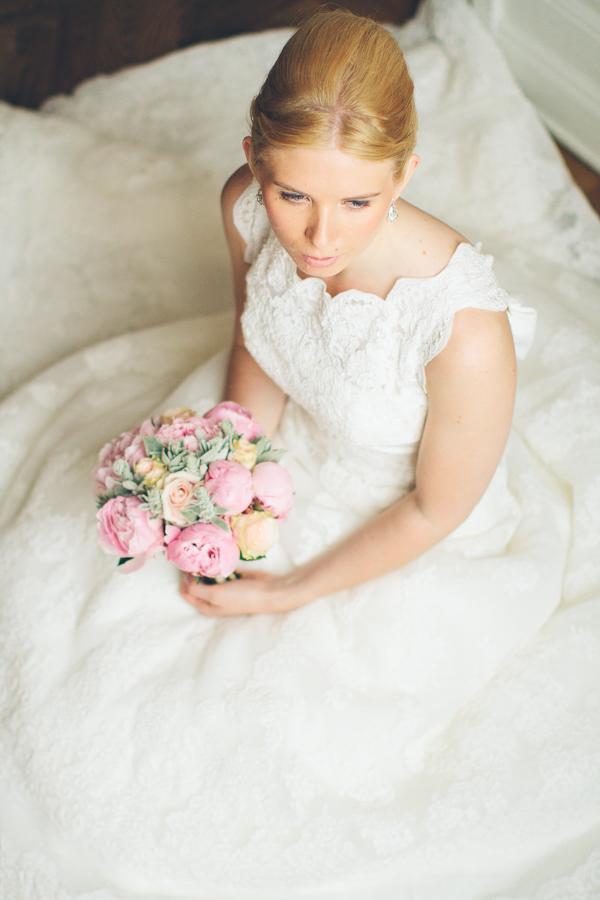Emma i brudklänning