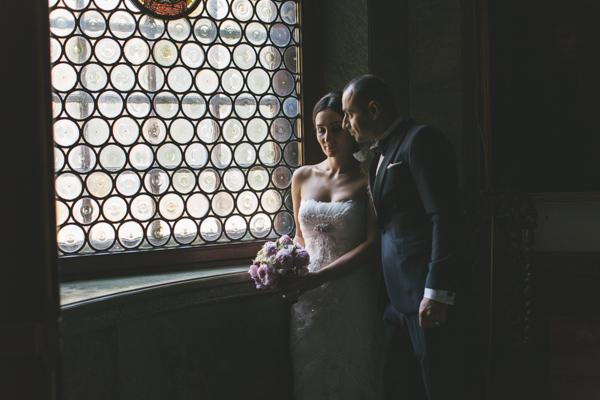 Tjuvtitt på Ebru och Sirwans bröllop på Hallwylska palatset i Stockholm