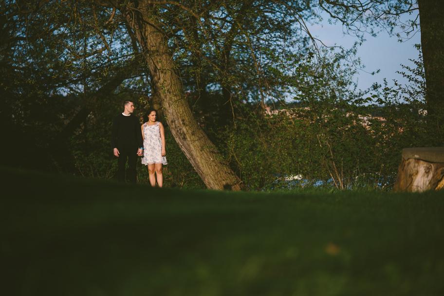 Anna och Pär pre shoot inför bröllop på Bergendal - 02